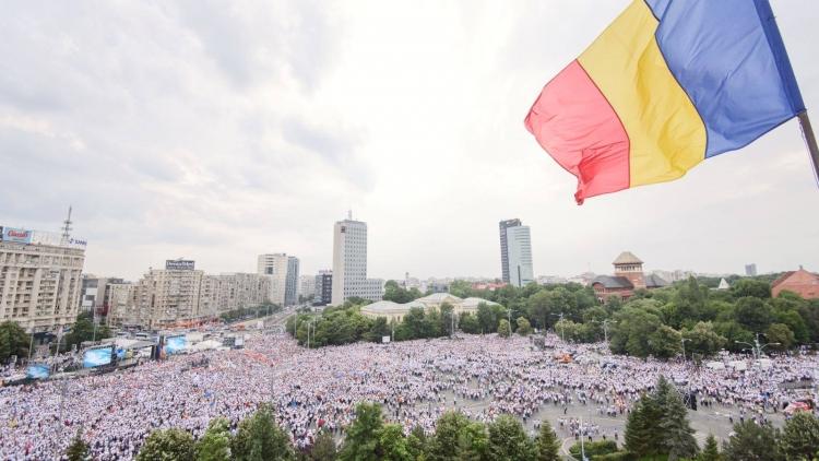 """Mitingul """"cămășilor albe"""" PSD: de zece ori prețul pentru scenă, din bani publici, către o firmă apropiată PMB în mandatul Firea"""