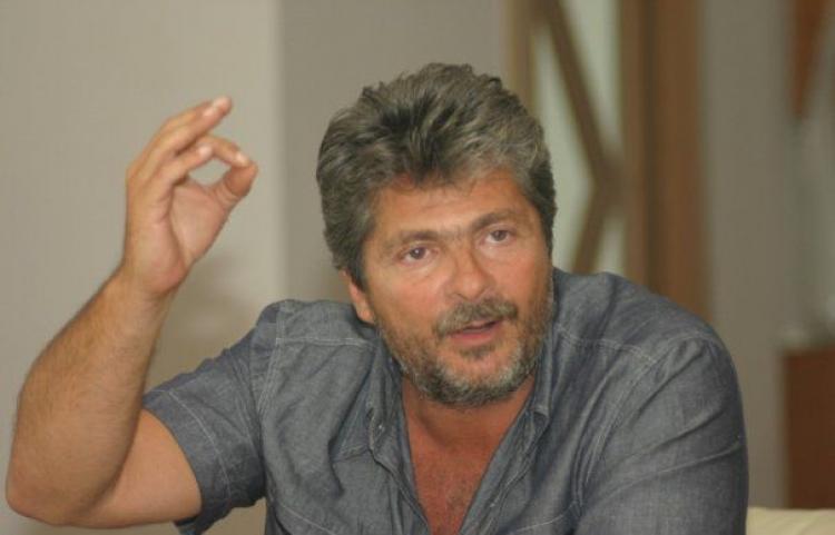 Statul dă semne că începe să se întărească: ANAF scoate la vânzare hotelurile lui Vântu din Deltă